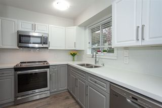 Photo 8: 6088 W GREENSIDE DRIVE in Surrey: Cloverdale BC Townhouse for sale (Cloverdale)  : MLS®# R2318848