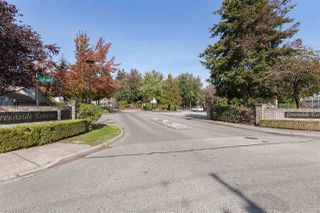 Photo 33: 6088 W GREENSIDE DRIVE in Surrey: Cloverdale BC Townhouse for sale (Cloverdale)  : MLS®# R2318848