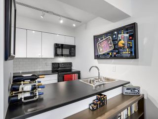 Photo 1: 601 1108 NICOLA STREET in Vancouver: West End VW Condo for sale (Vancouver West)  : MLS®# R2309244