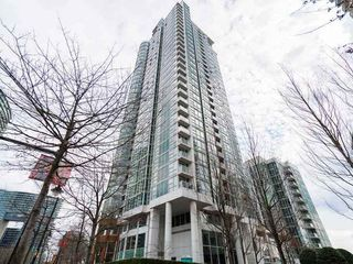 "Main Photo: 2805 193 AQUARIUS Mews in Vancouver: Yaletown Condo for sale in ""MARINASIDE RESORT"" (Vancouver West)  : MLS®# R2414170"