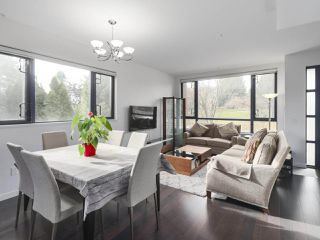 "Photo 5: 6442 ASH Street in Vancouver: Oakridge VW Townhouse for sale in ""WESTON WALK"" (Vancouver West)  : MLS®# R2420440"