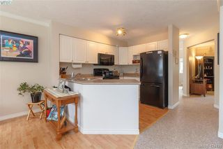 Photo 11: A 583 Tena Pl in VICTORIA: Co Wishart North Half Duplex for sale (Colwood)  : MLS®# 837604