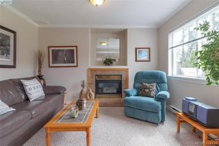 Photo 4: A 583 Tena Pl in VICTORIA: Co Wishart North Half Duplex for sale (Colwood)  : MLS®# 837604