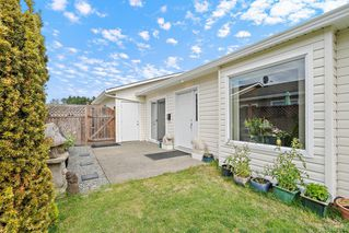 Photo 5: 73 7570 Tetayut Rd in Central Saanich: CS Hawthorne Manufactured Home for sale : MLS®# 843032