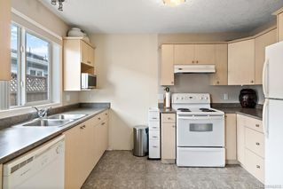 Photo 15: 73 7570 Tetayut Rd in Central Saanich: CS Hawthorne Manufactured Home for sale : MLS®# 843032