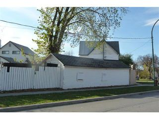 Photo 2: 161 Meade Street North in WINNIPEG: North End Residential for sale (North West Winnipeg)  : MLS®# 1214600