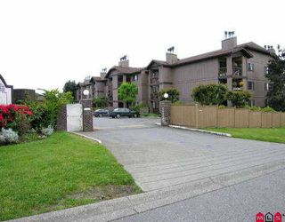 "Photo 3: 2211 13819 100TH AV in Surrey: Whalley Condo for sale in ""CARRIAGE LANE"" (North Surrey)  : MLS®# F2612353"