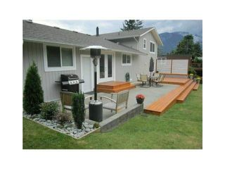 Photo 4: 2355 ARGYLE CRESCENT in Squamish: Garibaldi Highlands House for sale : MLS®# R2057611