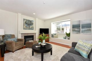 Photo 2: 528 E 44TH AVENUE in Vancouver: Fraser VE 1/2 Duplex for sale (Vancouver East)  : MLS®# R2267554