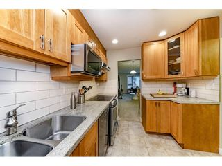 Photo 3: 304 1750 MAPLE STREET in Vancouver: Kitsilano Condo for sale (Vancouver West)  : MLS®# R2329283