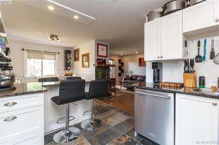 Photo 14: 205 949 Cloverdale Ave in VICTORIA: SE Quadra Condo Apartment for sale (Saanich East)  : MLS®# 820581