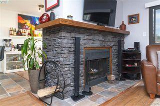 Photo 7: 205 949 Cloverdale Ave in VICTORIA: SE Quadra Condo Apartment for sale (Saanich East)  : MLS®# 820581
