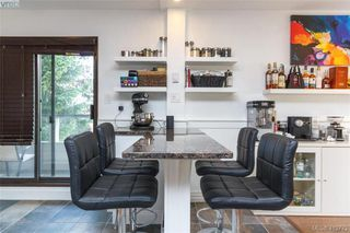Photo 11: 205 949 Cloverdale Ave in VICTORIA: SE Quadra Condo Apartment for sale (Saanich East)  : MLS®# 820581
