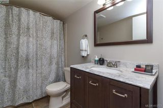 Photo 20: 205 949 Cloverdale Ave in VICTORIA: SE Quadra Condo Apartment for sale (Saanich East)  : MLS®# 820581