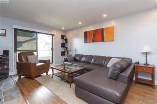 Photo 4: 205 949 Cloverdale Ave in VICTORIA: SE Quadra Condo Apartment for sale (Saanich East)  : MLS®# 820581