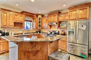 Photo 4: 794 Harrier Way in VICTORIA: La Bear Mountain House for sale (Langford)  : MLS®# 824639