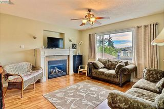Photo 5: 794 Harrier Way in VICTORIA: La Bear Mountain Single Family Detached for sale (Langford)  : MLS®# 415760