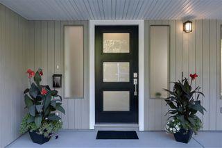 Photo 2: 3660 MCRAE Crescent in Port Coquitlam: Woodland Acres PQ House for sale : MLS®# R2411561