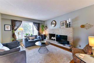 Photo 3: 19 Rutgers Bay in Winnipeg: Fort Richmond Residential for sale (1K)  : MLS®# 1930787