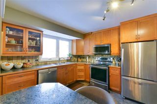 Photo 5: 19 Rutgers Bay in Winnipeg: Fort Richmond Residential for sale (1K)  : MLS®# 1930787
