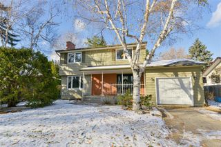Main Photo: 19 Rutgers Bay in Winnipeg: Fort Richmond Residential for sale (1K)  : MLS®# 1930787