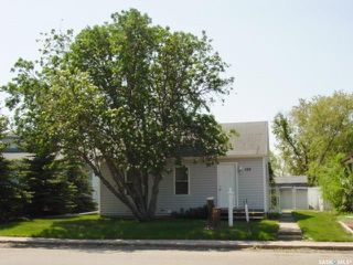 Photo 1: 348 5th Avenue East in Unity: Residential for sale : MLS®# SK798227