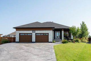 Main Photo: 10 Blue Oaks Cove in Winnipeg: The Oaks Residential for sale (5W)  : MLS®# 202012190