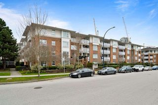 "Photo 16: 402 4723 DAWSON Street in Burnaby: Brentwood Park Condo for sale in ""COLLAGE"" (Burnaby North)  : MLS®# R2465101"
