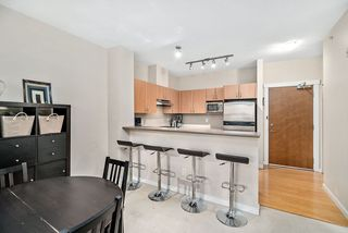 "Photo 2: 402 4723 DAWSON Street in Burnaby: Brentwood Park Condo for sale in ""COLLAGE"" (Burnaby North)  : MLS®# R2465101"
