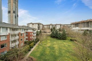 "Photo 13: 402 4723 DAWSON Street in Burnaby: Brentwood Park Condo for sale in ""COLLAGE"" (Burnaby North)  : MLS®# R2465101"