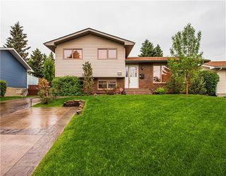 Main Photo: 211 OAKRIDGE Place SW in Calgary: Oakridge Detached for sale : MLS®# C4304993