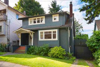 Photo 2: 2612 W 2ND Avenue in Vancouver: Kitsilano House for sale (Vancouver West)  : MLS®# R2479216