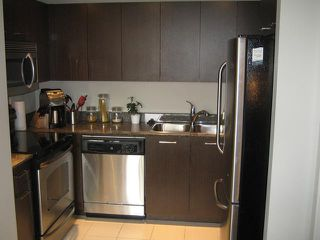 "Photo 6: 709 1212 HOWE Street in Vancouver: Downtown VW Condo for sale in ""1212 HOWE"" (Vancouver West)  : MLS®# V931827"