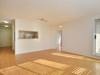 "Photo 4: 702 3455 ASCOT Place in Vancouver: Collingwood VE Condo for sale in ""QUEENS COURT"" (Vancouver East)  : MLS®# V933245"