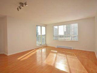 "Photo 3: 702 3455 ASCOT Place in Vancouver: Collingwood VE Condo for sale in ""QUEENS COURT"" (Vancouver East)  : MLS®# V933245"