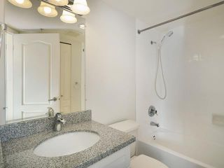 "Photo 7: 702 3455 ASCOT Place in Vancouver: Collingwood VE Condo for sale in ""QUEENS COURT"" (Vancouver East)  : MLS®# V933245"