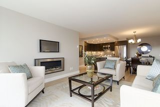 "Photo 4: 313 1490 PENNYFARTHING Drive in Vancouver: False Creek Condo for sale in ""HARBOUR COVE"" (Vancouver West)  : MLS®# V938539"