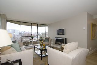 "Photo 5: 313 1490 PENNYFARTHING Drive in Vancouver: False Creek Condo for sale in ""HARBOUR COVE"" (Vancouver West)  : MLS®# V938539"
