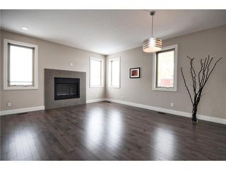 Photo 4: 7414 36 Avenue NW in CALGARY: Bowness Residential Attached for sale (Calgary)  : MLS®# C3543867