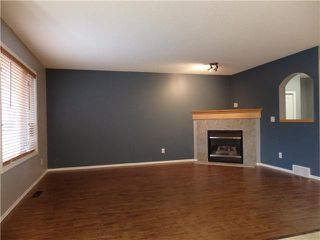 Photo 4: 566 FAIRWAYS Crescent NW: Airdrie Residential Detached Single Family for sale : MLS®# C3572126