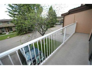 Photo 11: 64 1055 72 Avenue NW in CALGARY: Huntington Hills Townhouse for sale (Calgary)  : MLS®# C3575481