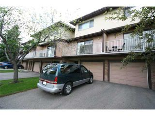 Photo 2: 64 1055 72 Avenue NW in CALGARY: Huntington Hills Townhouse for sale (Calgary)  : MLS®# C3575481