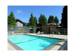 Photo 19: 2345 MOUNTAIN HIGHWAY in North Vancouver: Lynn Valley Townhouse for sale : MLS®# R2114442