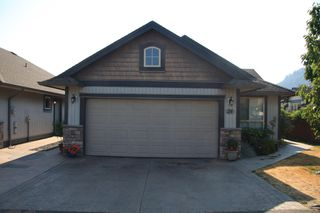 Photo 2: 24 44465 McLaren Drive in Chilliwack: House for sale