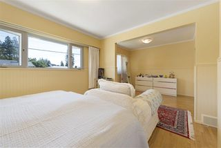Photo 11: 919 DUNDONALD DRIVE in Port Moody: Glenayre House for sale : MLS®# R2353817