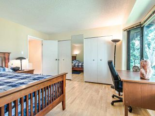 "Photo 12: 4336 GARDEN GROVE Drive in Burnaby: Greentree Village Townhouse for sale in ""GREENTREE VILLAGE"" (Burnaby South)  : MLS®# R2406422"