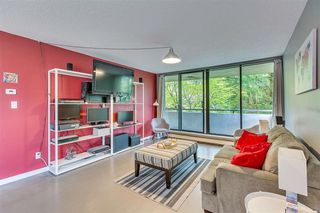 Photo 8: 303 2060 BELLWOOD AVENUE in Burnaby: Brentwood Park Condo for sale (Burnaby North)  : MLS®# R2370233