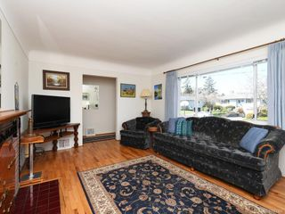 Photo 4: 1443 Stroud Rd in Victoria: Vi Oaklands Single Family Detached for sale : MLS®# 843386
