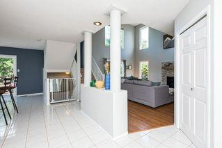 Photo 8: 26 HIGHLAND Crescent: St. Albert House for sale : MLS®# E4207499