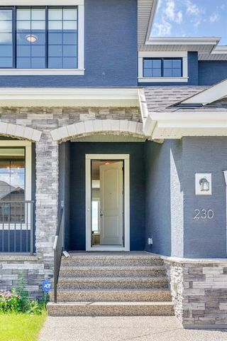 Photo 3: 230 VALLEY POINTE Way NW in Calgary: Valley Ridge Detached for sale : MLS®# A1025624